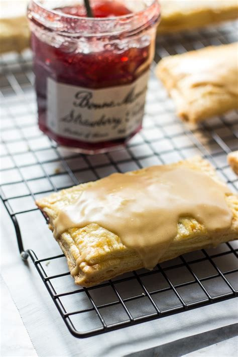 Homemade Peanut Butter and Jelly Pop-Tarts | The Beach