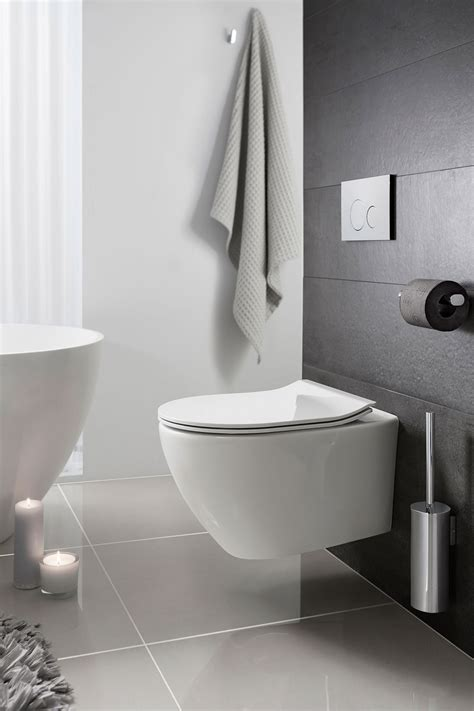 Svelte White Wall Hung WC & Soft Close Seat in Wall Hung