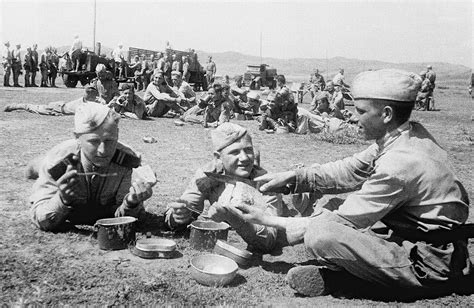 Wartime cuisine: What did Soviet soldiers eat during World