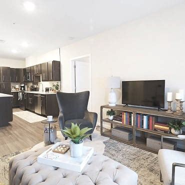 The Residences at Executive Park Apartments - Merrimack