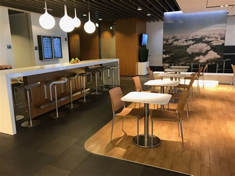 """An Amazing Lufthansa """"First Class"""" Business Lounge in"""