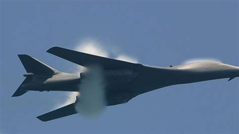 Extremely Rare Footage Of B-1 Lancer With A Vapor Cone