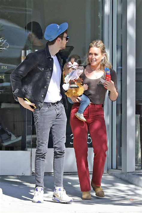 Hilary Duff and Matthew Koma step with their daughter to