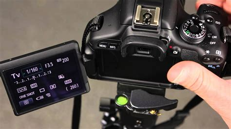Canon 600D Changing the auto focus point selection - YouTube