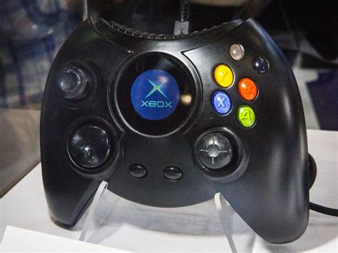 The insanely large original Xbox controller is back - CNET